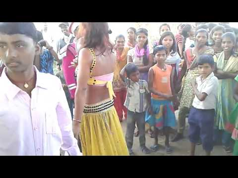 Desi Launda Dance On Bhojpuri Band