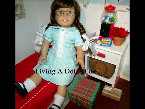 *Opening* American Girl Dolls Saige's Picnic Outfit + Molly Polka Dot Dress