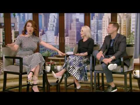 Maya Rudolph Bitten By Black Widow On Vacation With SNL Castmates