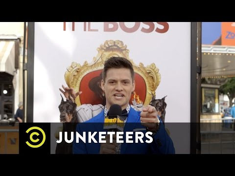 Junketeers E7 - Bossy Boss with Kristen Bell