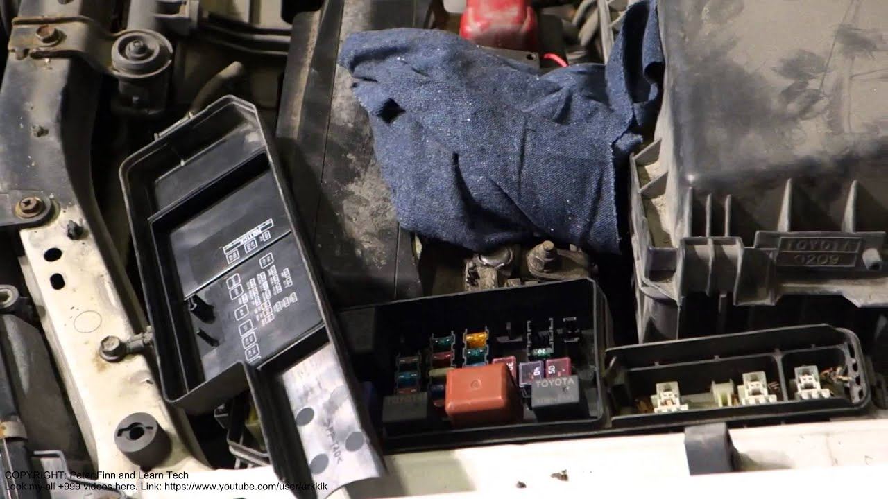 how to replace fuse toyota avensis years 1998 to 2005 [ 1280 x 720 Pixel ]