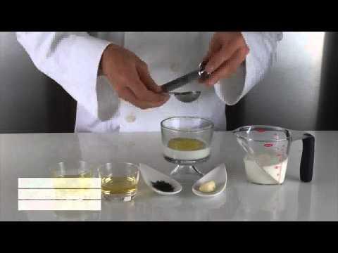 Cocina Molecular - TZATZIKI ESFÉRICO