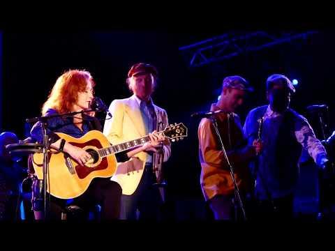 Bonnie Raitt and The California Honeydrops - Women Be Wise (Wallace)