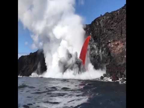 Volcanic lava flowing into sea in Hawaii | firefighting