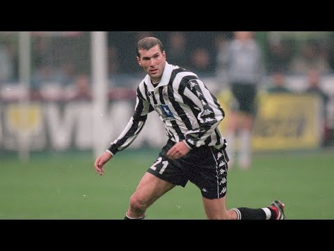 Zinedine Zidane • Unbelievable Skills with Juventus