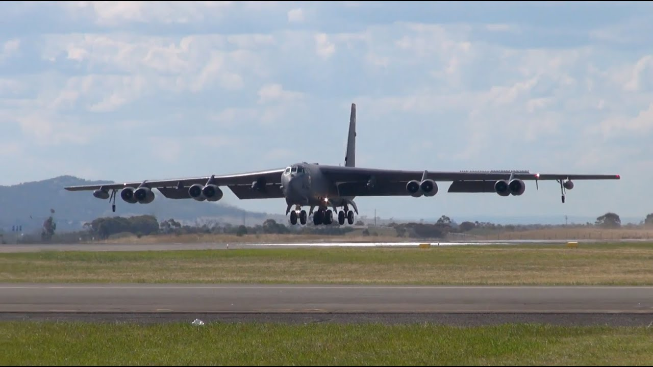 us air force b52 stratofortress arriving into avalon avalon airshow 2015 youtube. Black Bedroom Furniture Sets. Home Design Ideas