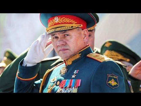 Разбор орденов и медалей на парадном мундире министра обороны РФ Сергея Шойгу