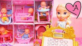 Caja registradora de Princesas   Elsa tiene una tienda de bebes   Muñecas y juguetes con Andre thumbnail
