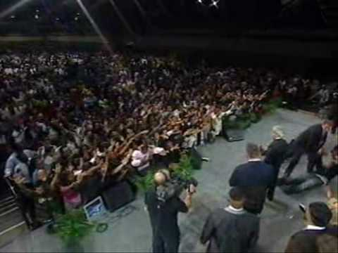 Benny Hinn - Fire Anointing Falls at Miracle Service (1)
