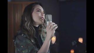 Belinda publica video en apoyo a AMLO