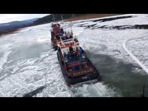 видео: веселый конец навигации на реке Лене.