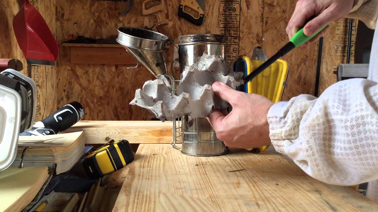 Beekeeping - Smoker Tip - YouTube