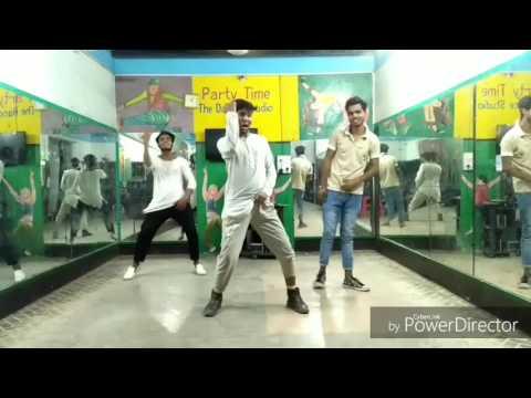 Jumma Chumma De De.. By SA Dance CRew .Choreography by Ayub khan