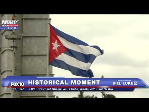 FNN: Historical Moment - President Obama Meets with Raul Castro in Cuba
