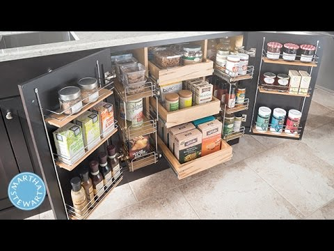 Get Martha Stewarts Tips For Easy Kitchen Organizing Martha - How to organize kitchen cabinets martha stewart