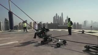 بالفيديو.. حقيقة وفاة مصري بعد إلقائه من فوق ناطحة سحاب بـ' دبي'