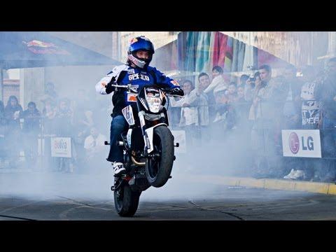 Sport Bike Stunt Riding in La Paz - Aaron Colton 2013 Bolivia