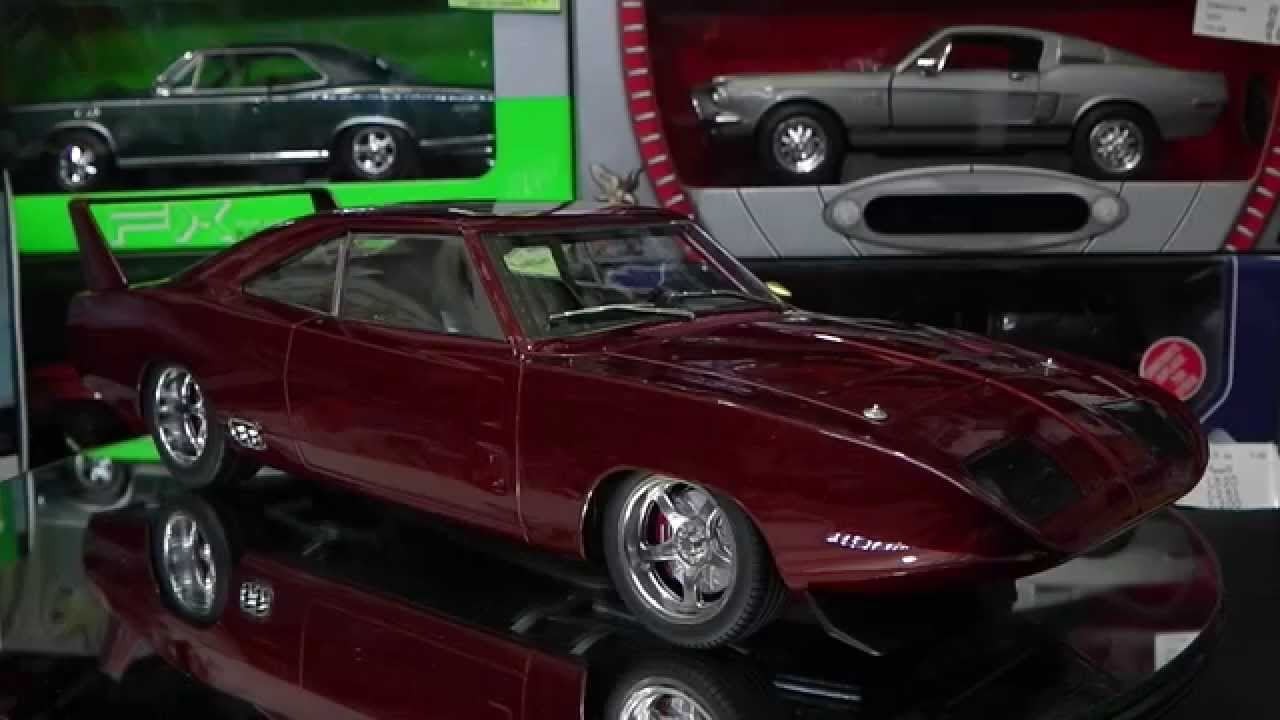 Revisi 243 N 1 18 Dom S Custom Dodge Charger Daytona 1969 De Greenlight Youtube