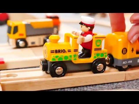 Vidéo éducative. Trains et voitures - une barrière