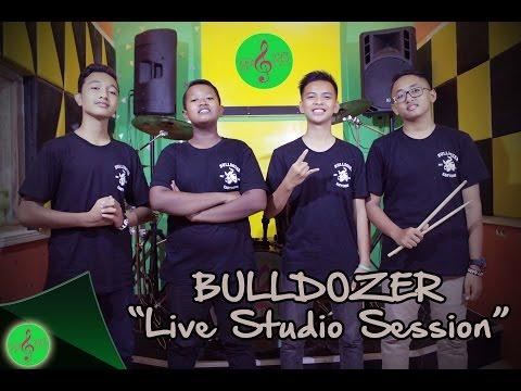 ACARA BOLO DEWE 2016 (Live Studio Session)   Bulldozer -