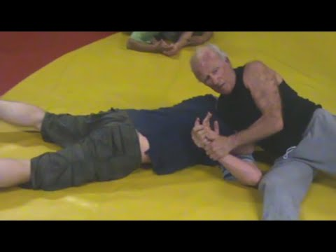 CATCH WRESTLING - Jack Mountford Teaching Submission Holds