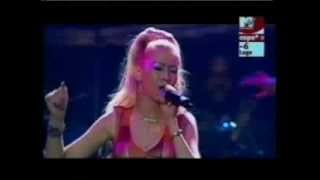 Christina Aguilera - Love for all season (Live)
