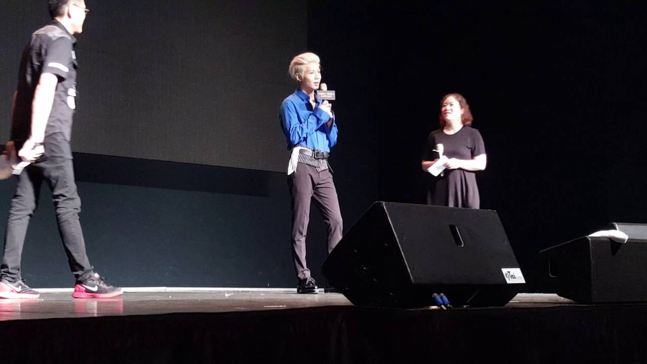 SHINee泰民單飛訪臺showcase 用中文向媒體打招呼 - YouTube