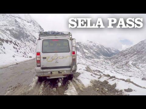 CRAZY SNOW Drive in HIMALAYAS - SELA PASS, Tawang, Arunachal Pradesh