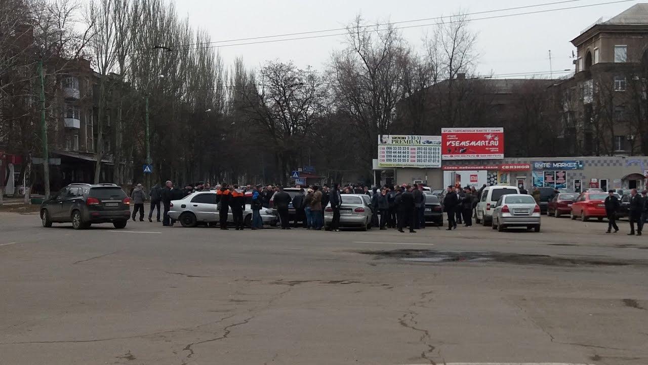 В Горловке прошла встреча таксистов с главой города