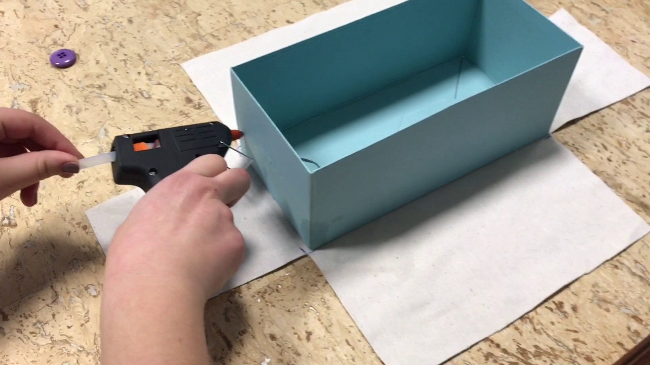 Tutorial come foderare una scatola con la stoffa youtube for Foderare una scatola
