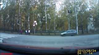 Сбили мальчика в Костроме Жесткое ДТП Кострома 18+. Видеосъемка  аварии видео(Сбили мальчика в Костроме Жесткое ДТП Кострома 18 ВНИМАНИЕ! Скидка 50% Экономитель топлива Fuel Shark: http://bit.ly/1z3OB..., 2014-12-21T12:35:01.000Z)