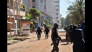 أخبار عالمية - قتل 4 على الأقل من بين منفذي الهجوم على موقع سياحي قرب #باماكو