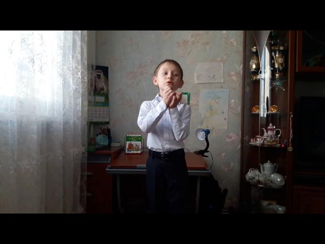 Изображение предпросмотра прочтения – РаильСунатуллин читает произведение «Ворона и Лисица» И.А.Крылова