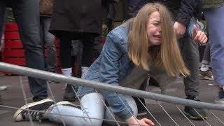 Избиение мирных демонстрантов в Петербурге