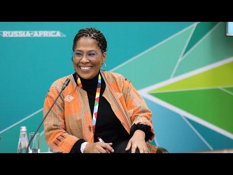 Sommet/Forum Russie-Afrique: le magistral discours de rupture de Nathalie Yamb (LIDER) à Sochi