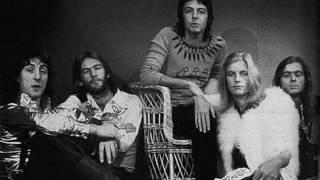 Video Paul McCartney & Wings - Getting Closer download MP3, 3GP, MP4, WEBM, AVI, FLV Agustus 2018