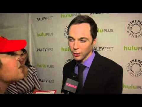Sheldon  Jim Parsons sing the Big Bang Theory theme song