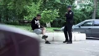 Фокусник обманул полицейского