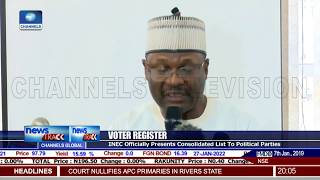 2019 Elections: INEC Presents Final Voter Register To Political Parties