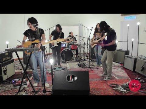 Pitahati - Revolusioner: Jilid 1 (Live on The Wknd Sessions, #51)