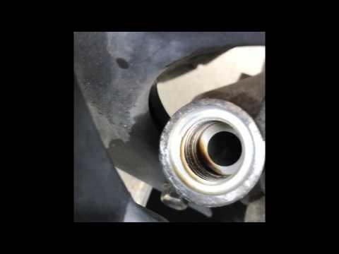 Как Поменять Масло в двигателе 4т скутера Honda Today 50
