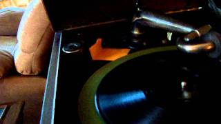 I Never See Maggie Alone - Tommy Clayton victrola recorded at 78 RPM