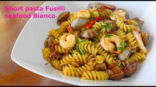 Short pasta Fusilli seafood Bianco ???