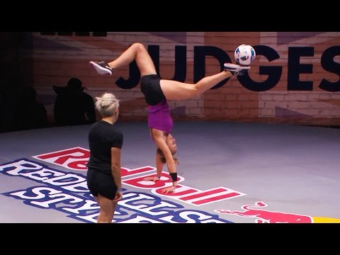 World-Class Freestyle Football Juggling | Street Style Finals 2016