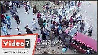 أهالى ضحايا حادث صحراوى بنى سويف يتسلمون جثامين ذويهم من المشرحة