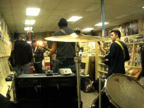 Record Store Day: Sound Station: NEW JERSEY PUNK BAND IL UNION 4/16/2011 (3/3)