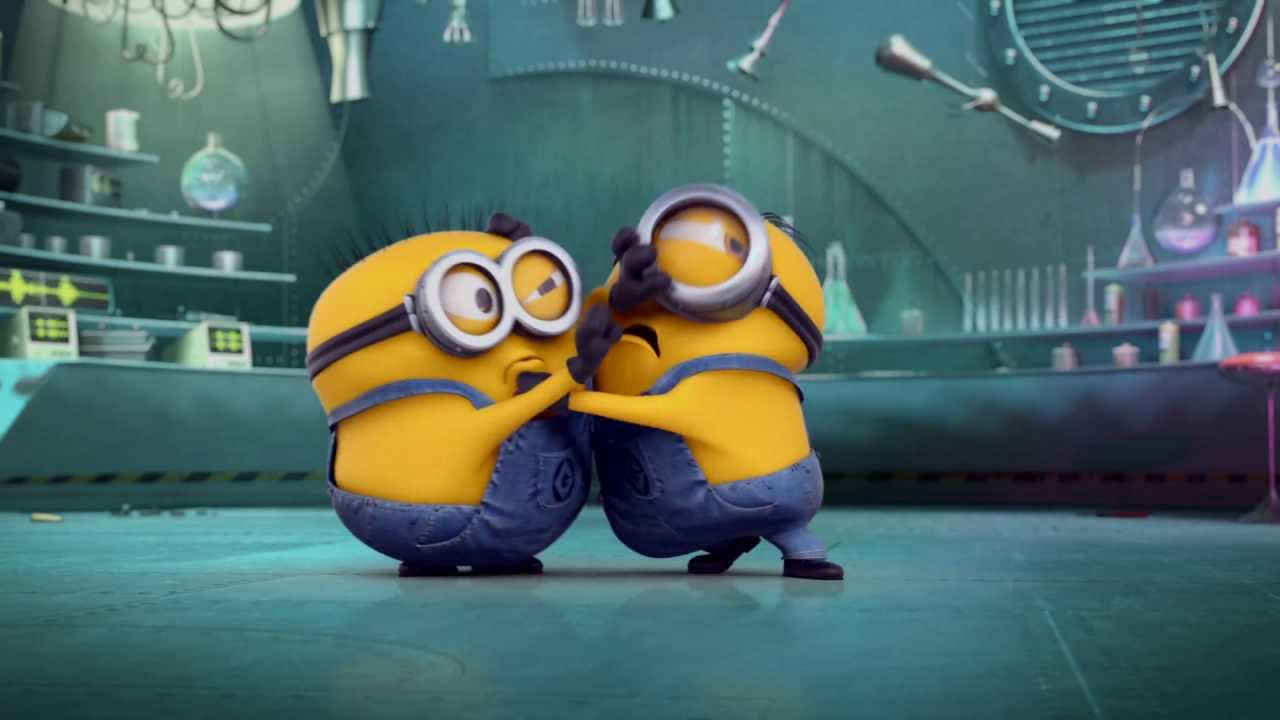 Funny Animated Wallpapers 壞蛋獎門人2 Despicable Me 2 Minion Reactions Slap Fight