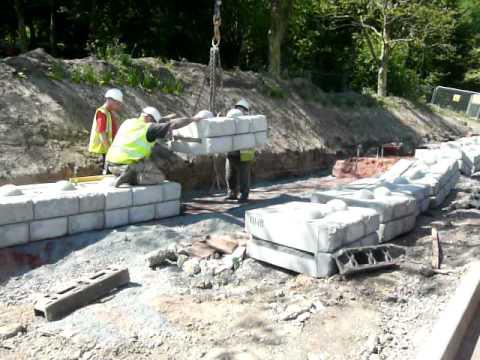 Cpm S Redi Rock Installation