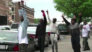 USA: la famille de F. Gray salue les poursuites contre les six policiers
