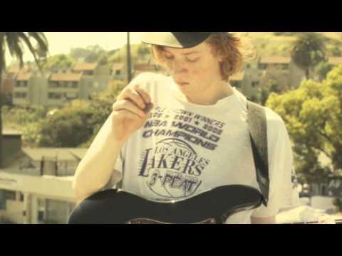 FIDLAR - Max Can't Surf (Music Video)